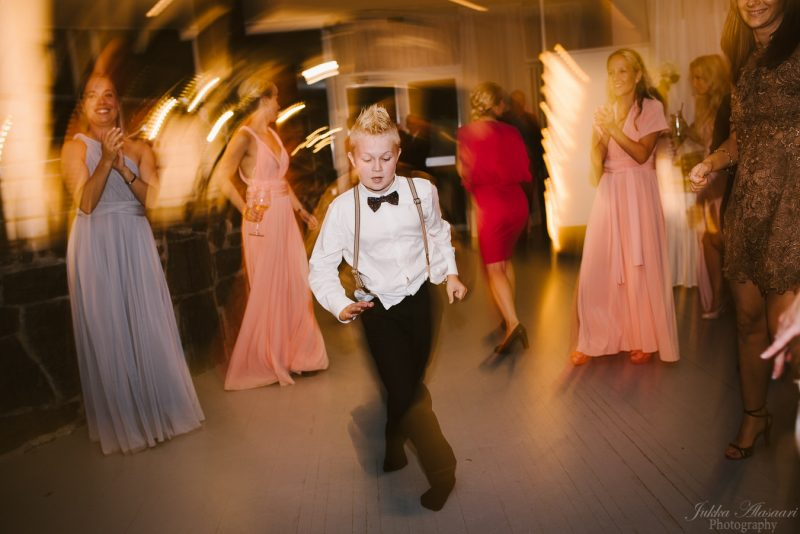 hääkuvaus kulosaaren casino poika tanssii