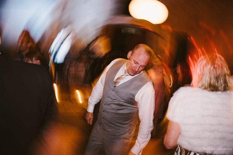 hääkuvaus teijo mathildedal sulhanen tanssii