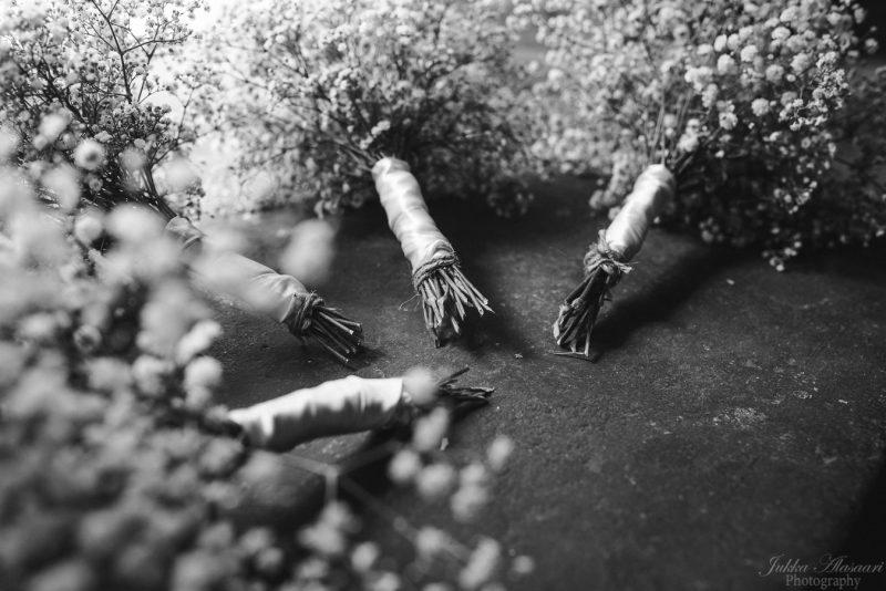 hääkuvaus teijo mathildedal kukat