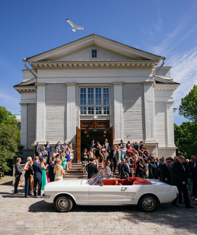 hääkuvaus Helsingin vanha kirkko