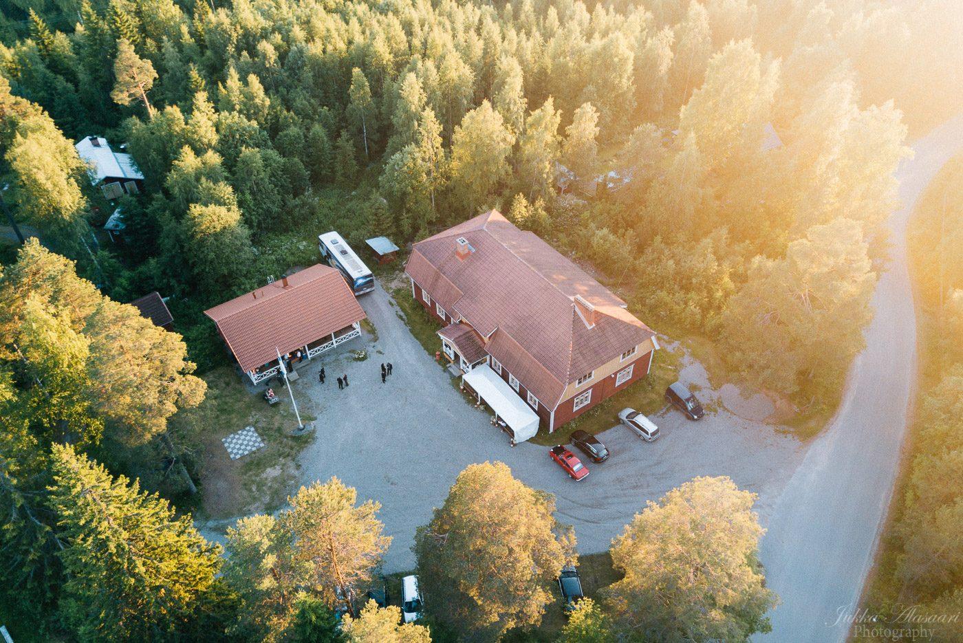 hääkuvaus ylöjärvi parkkuu seuratalo ilmakuva
