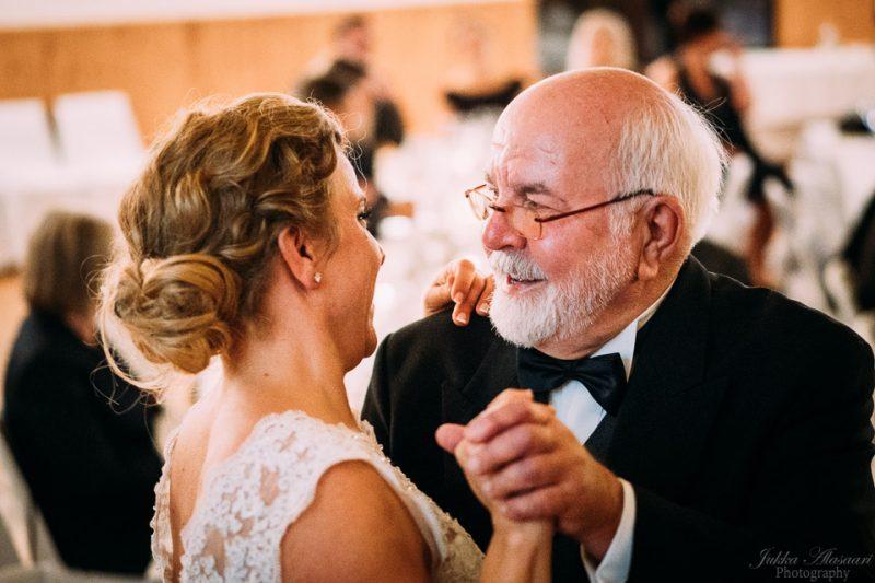 hääkuvaus sipoo hedåsen isä ja tytär tanssi
