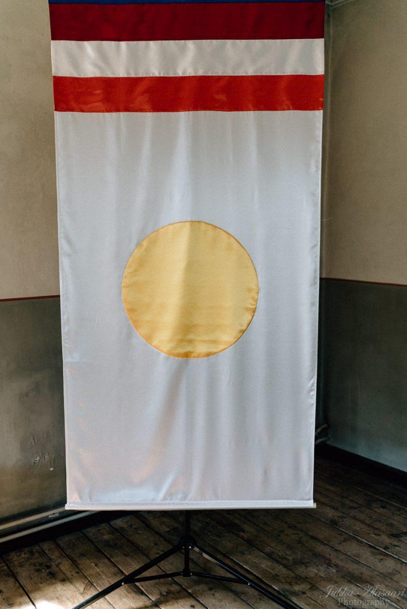 hääkuvaus suomenlinna pirunkirkko shambhala lippu