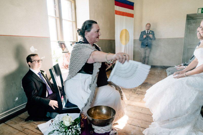 hääkuvaus suomenlinna pirunkirkko Shambhala-siunaus potpourri