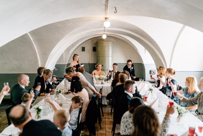 hääkuvaus suomenlinna pirunkirkko hääjuhlat