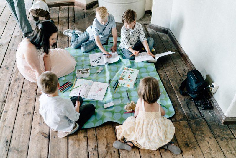 hääkuvaus suomenlinna pirunkirkko lasten leikkinurkkaus