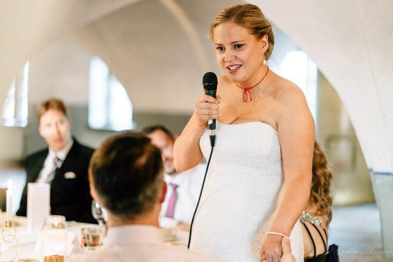 hääkuvaus suomenlinna pirunkirkko morsiamen puhe