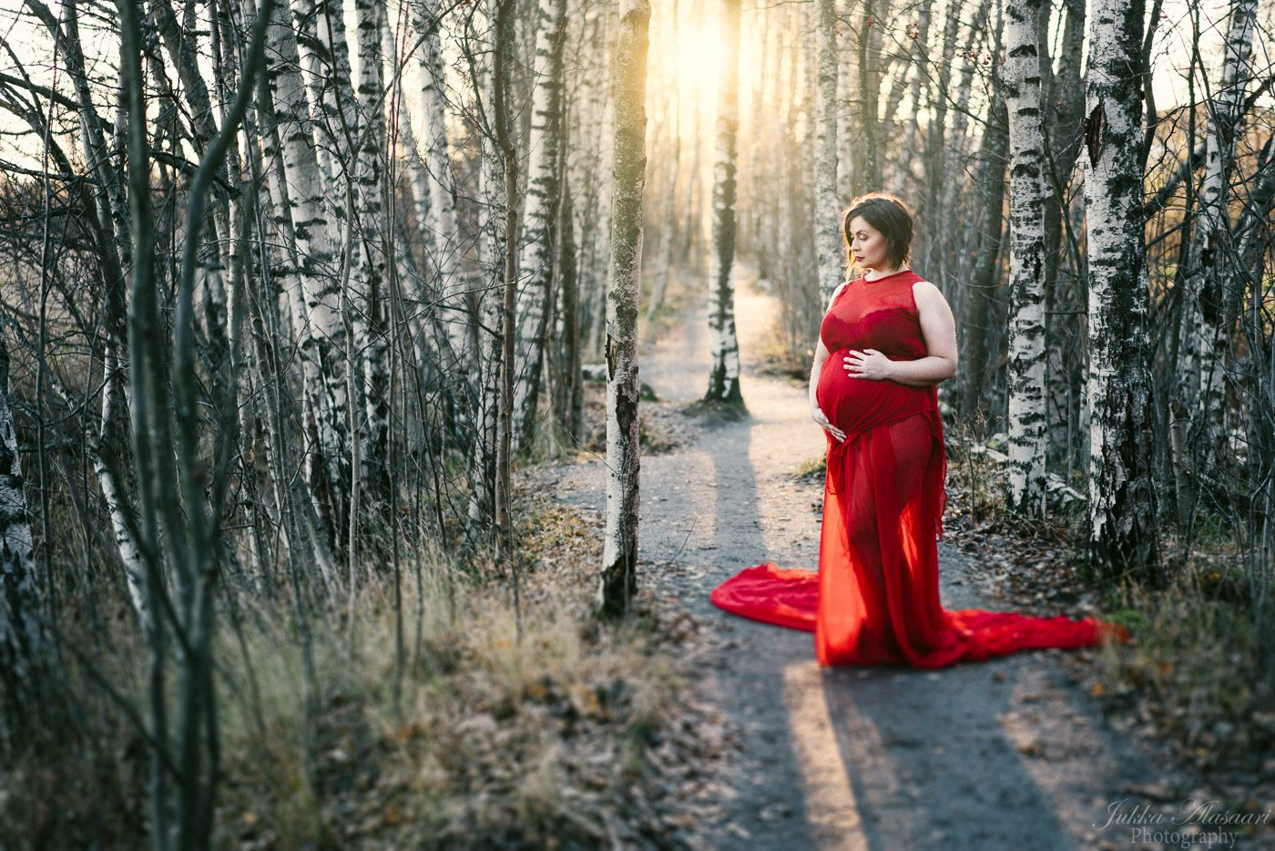 raskausajankuvaus masukuvaus helsingissä punaisessa mekossa