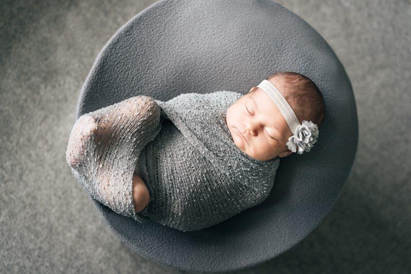 vastasyntyneenkuvaus harmaa kori