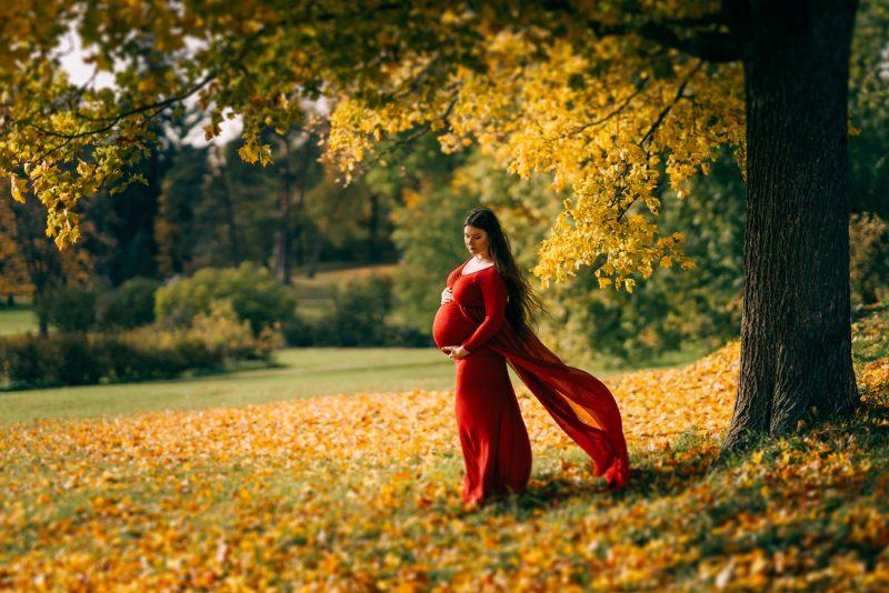 raskausajankuvaus syksyn ruska punainen mekko